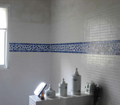 Azur agencement ma onnerie carrelage d coration for Carrelage pate de verre salle de bain