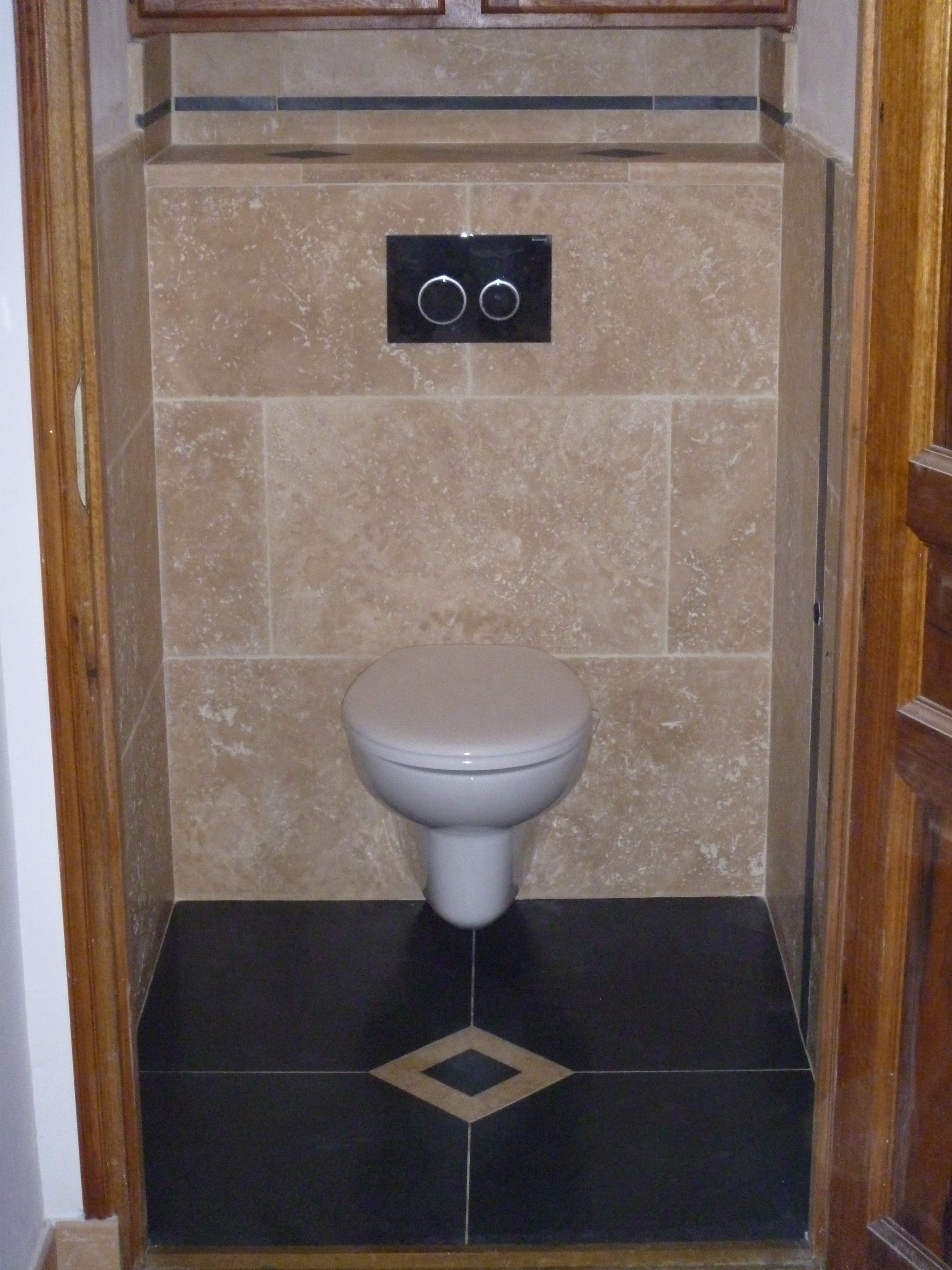 salle de bains en pierres naturelles azur agencement. Black Bedroom Furniture Sets. Home Design Ideas