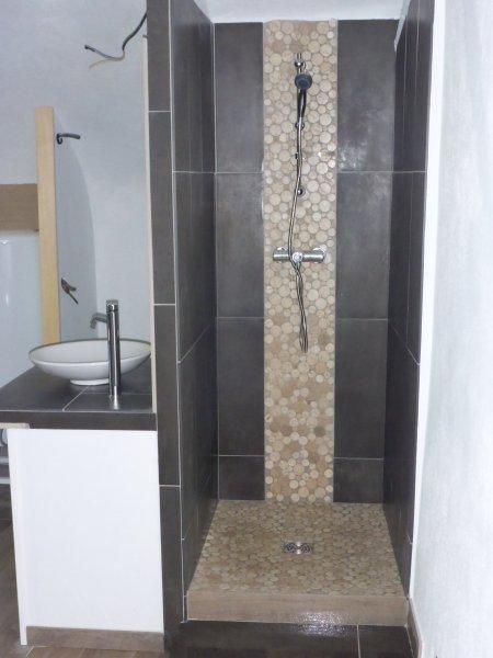 Douche italienne pierre et céramique